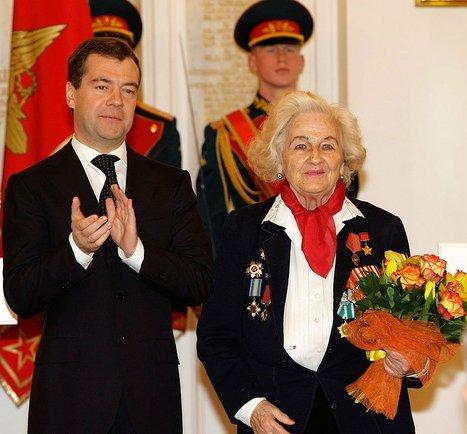 Nadezhda in 2009 with Russian President Medvedev. By Kremlin.ru – CC BY 4.0