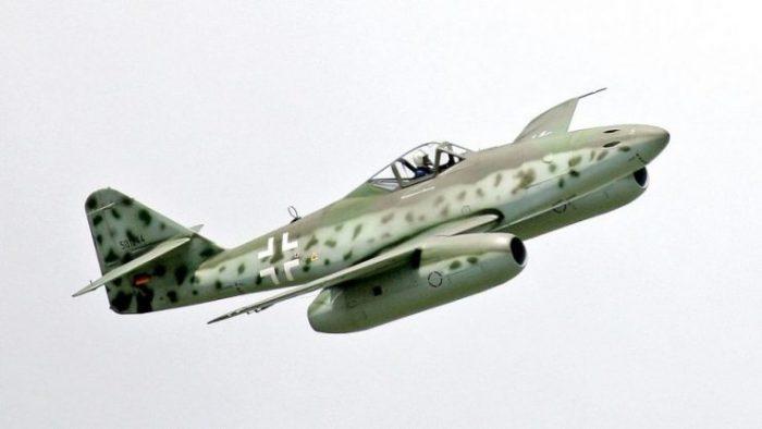 "Me 262 (A-1c) replica of (A1-a) one of the ""dream machines"", Berlin air show, 2006. Photo: Noop1958 GPLv3"