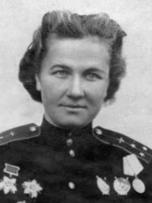 Nadezhda Popova, squadron commander in the 46th Guards Night Bombardment Aviation Regiment who became a Hero of the Soviet Union.
