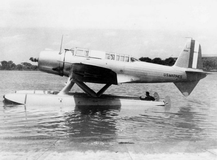 In 1939 a single Vought SB2U-1 Vindicator dive bomber (BuNo 2044) was converted as a floatplane and designated XSB2U-3.
