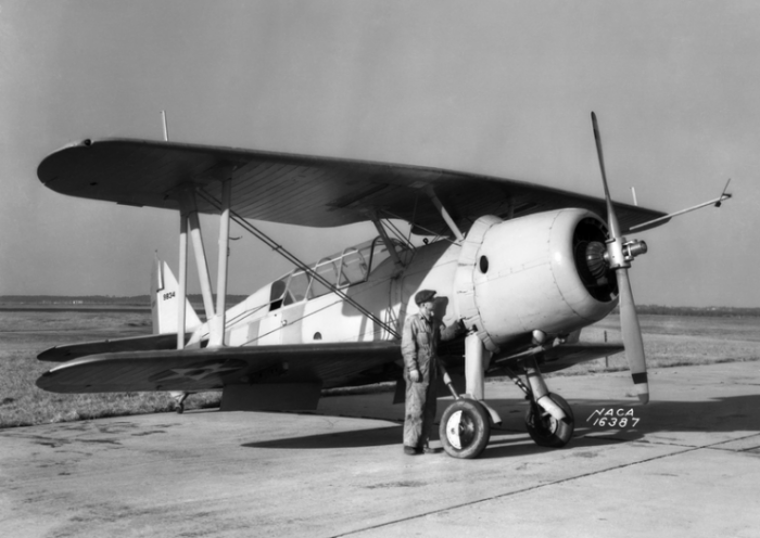 The Vought XSB3U-1 (BuNo 9834) at the NACA Langley Research Center, Virginia (USA), 1 December 1938. One plane was built, making its first flight in 1936.