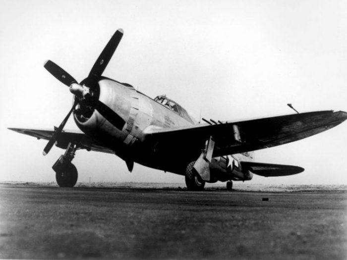 "USAAF P-47D ""Razorback"" configuration."