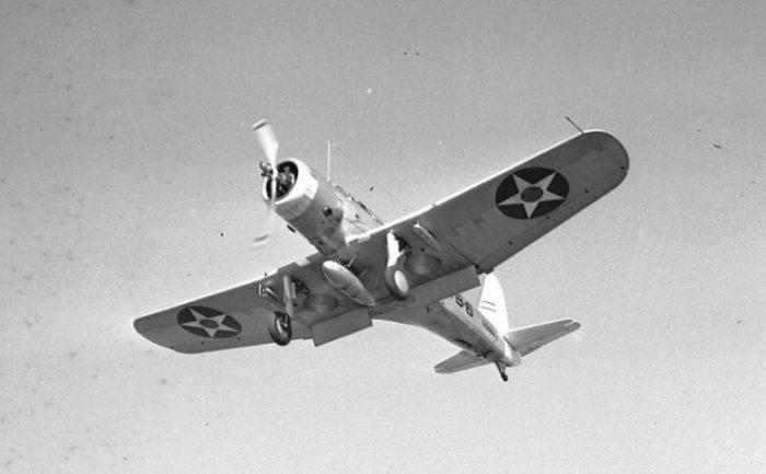 Vought SB2U-2 landing 1940