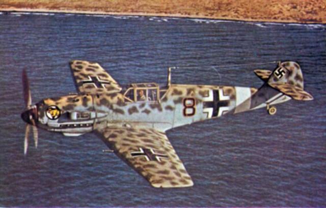 A German Messerschmitt Bf 109E-4/Trop of Jagdgeschwader 27 (27th Fighter Wing) off the North African coast in the summer of 1941.