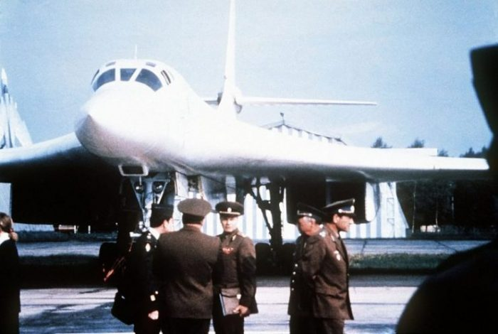 A Tupolev Tu-160 with Soviet officers in front, September 1989.