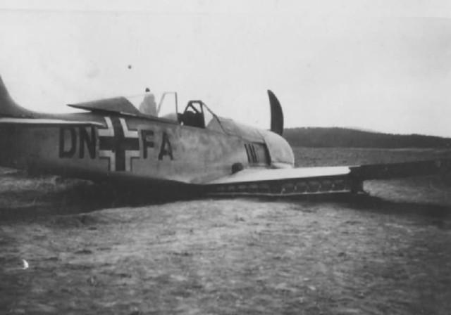 Focke-Wulf Fw 190 DN+FA crash landing