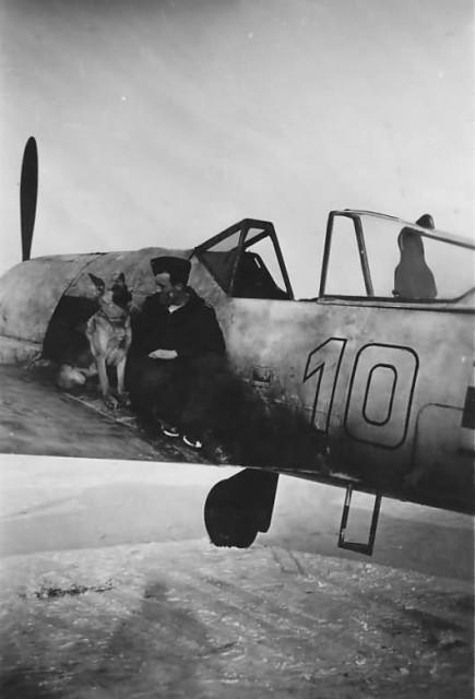 Fw 190 A white 10 of 10 JG 51 pilot Otto Gaiser, Smolensk February 1943