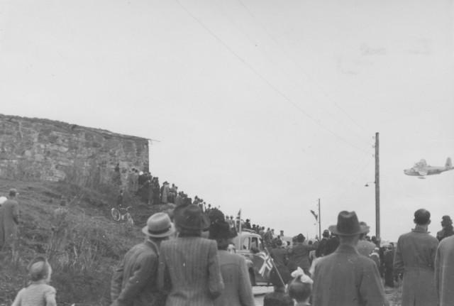 Low-flying Short Sunderland patrol bomber at Kristiansten fortress (1945)