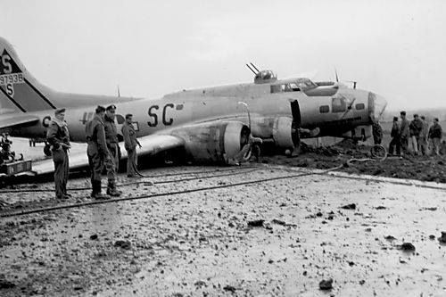 401st Bomb Group B-17G Belly Landed in England, October 29th, 1944.