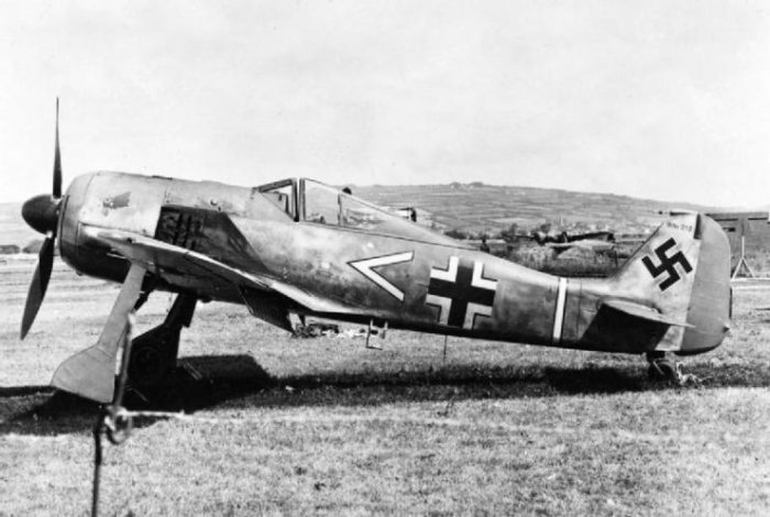 A German Focke-Wulf Fw 190 A-3 of 11 JG 2 after landing in the UK by mistake in June 1942.
