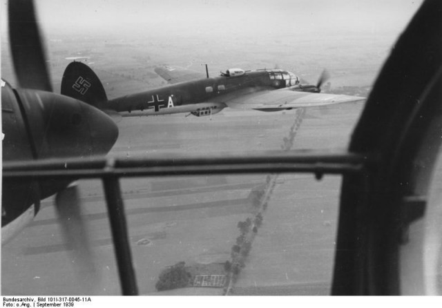 HE 111 on their way to Poland – Kampfgeschwader 1 (KG 1) (Bundesarchiv, Bild 101I-317-0045-11A)