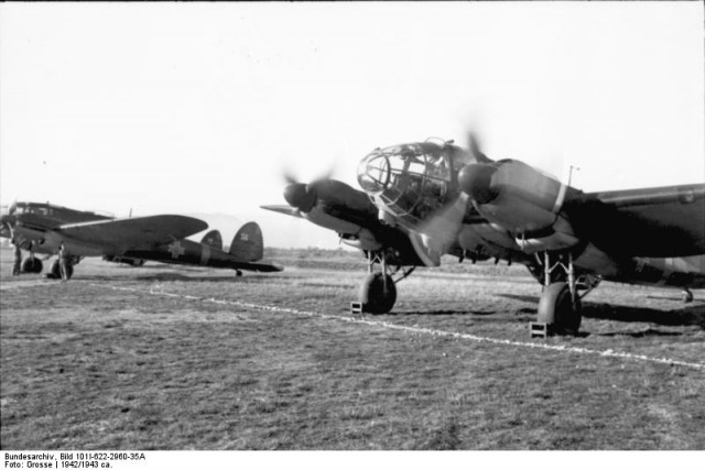 Heinkel He 111H in the Romanian Air Force (Bundesarchiv, Bild 101I-622-2960-35A Grosse)