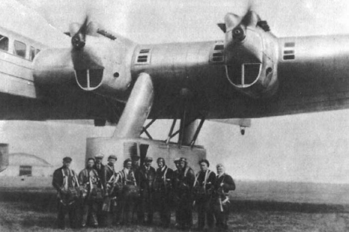 The pods underneath the Kalinin K-7's wings held the fixed landing gear and defensive turrets.