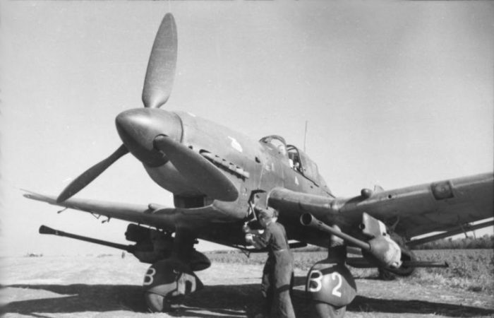 This aircraft, which incidentally was Hans-Ulrich Rudel's, is equipped with the devastating 37 mm cannons. Image by Bundesarchiv CC BY-SA 3.0 de.